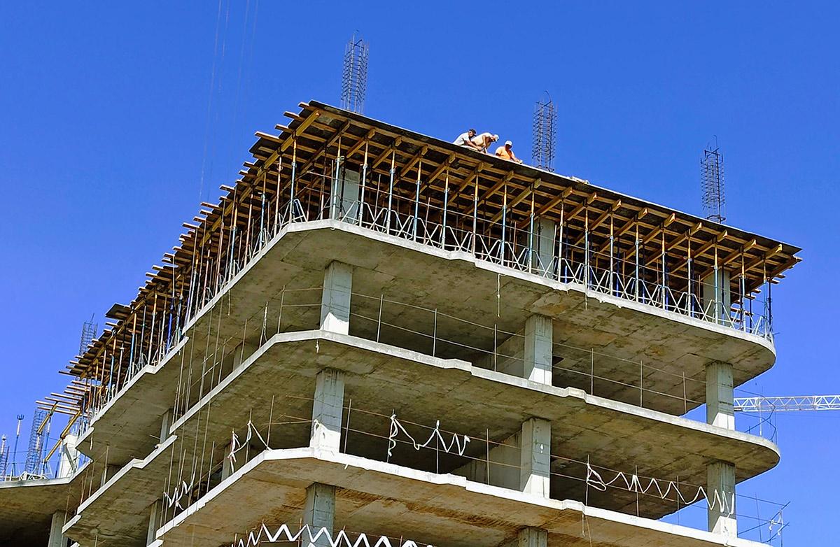 Նորակառույց շենքի շինարարություն Երևանում